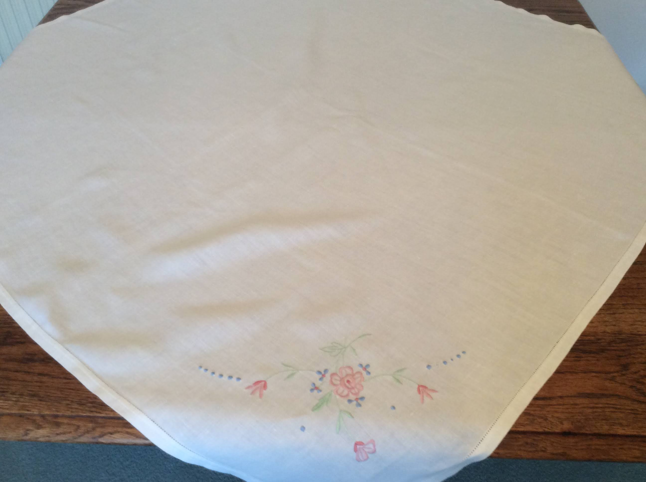 Vintage Table Cloth - pink flowers