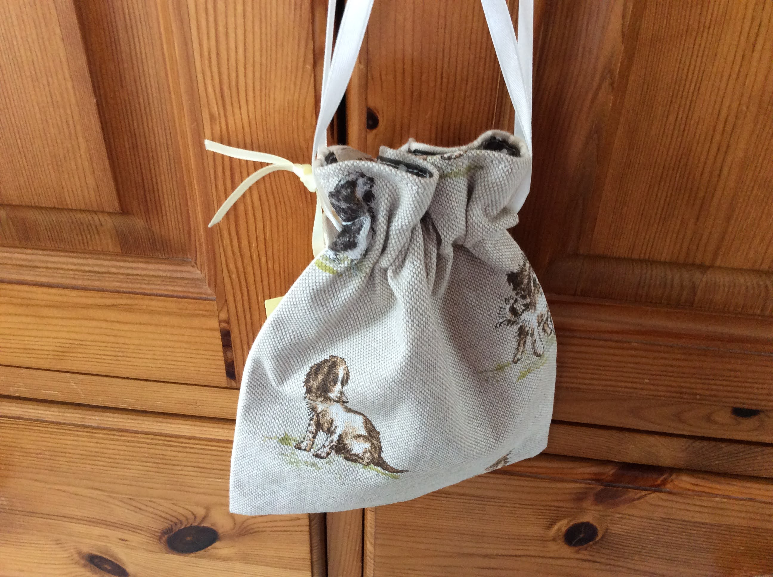 Drawstring Bag - dogs and stripes