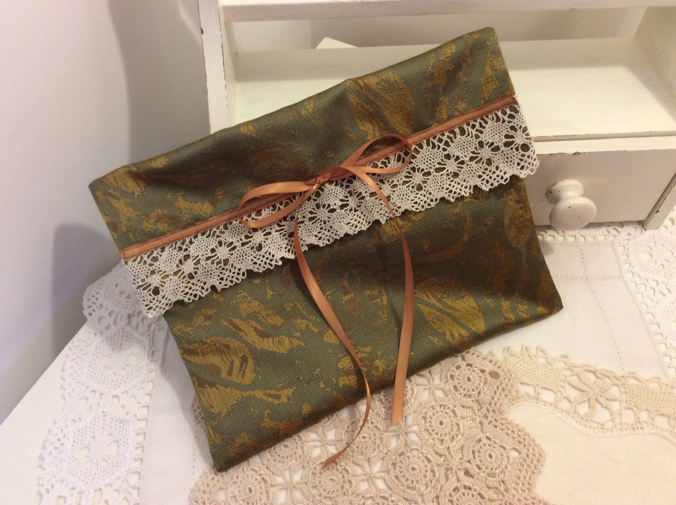 Handkerchief Pouch - dark green and gold