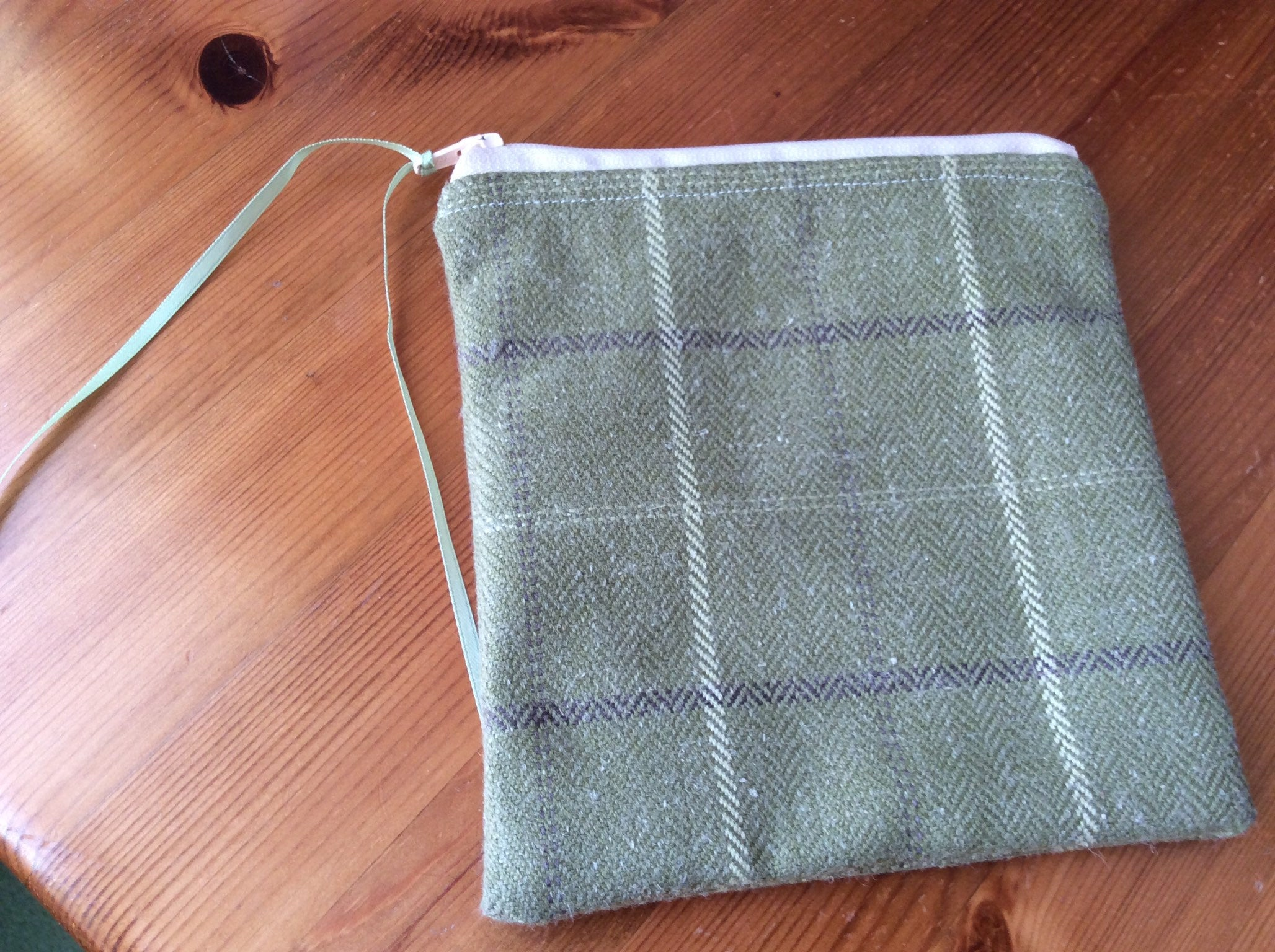 Zipped Purse - green tartan (small)