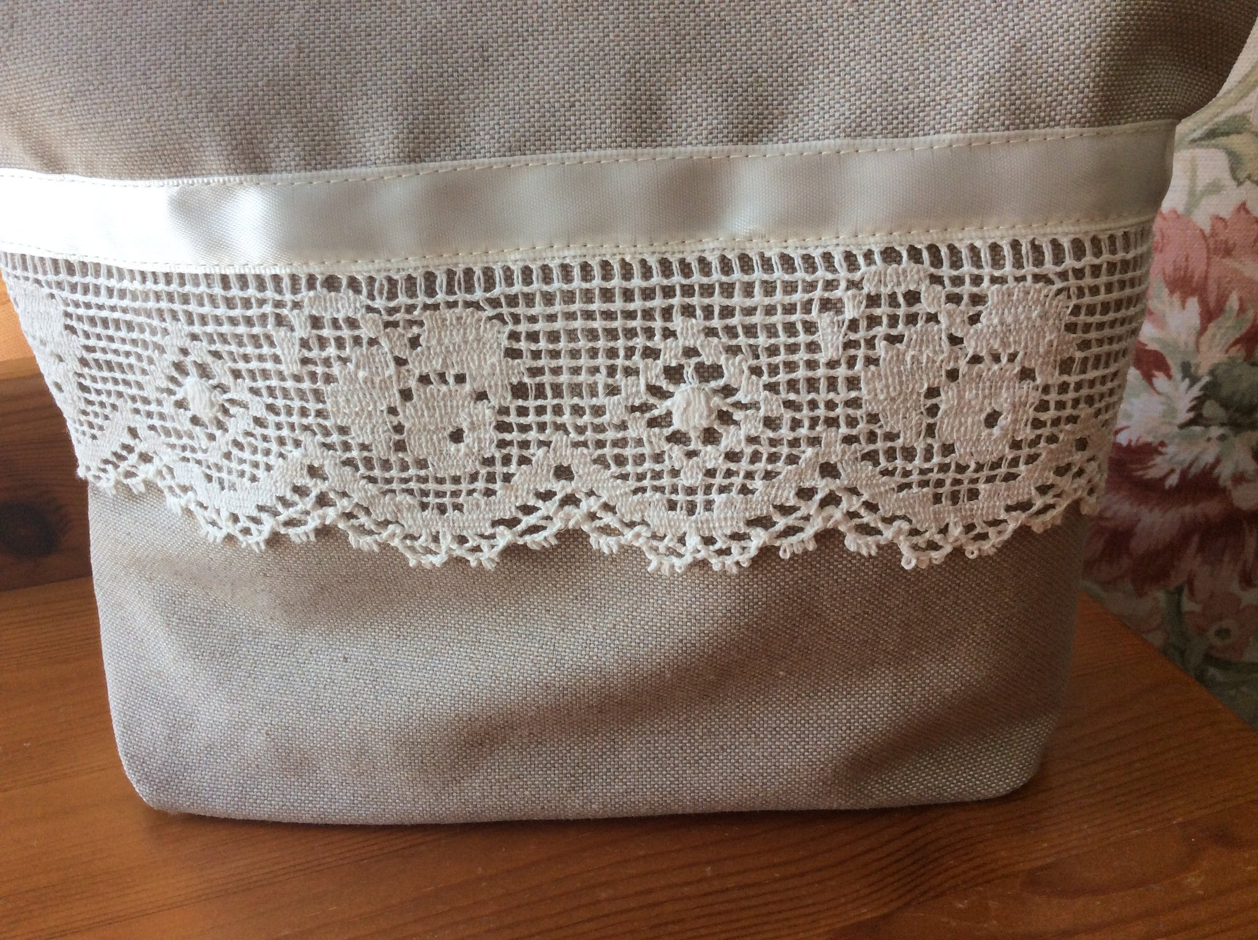 Zipped Purse - beige and lace (cream inside)